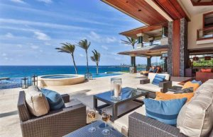 Maui Beachfront Homes