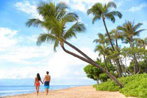 couple on kaanapali beach