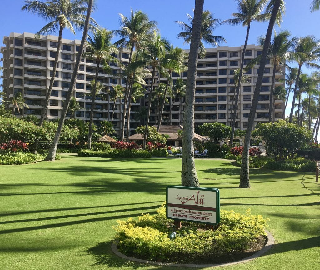 Kaanapali Alii w: sign